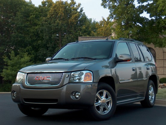 Automotive Trends  2005 GMC Envoy Denali