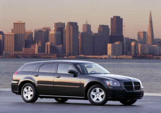 Automotive Trends 2005 Dodge Magnum