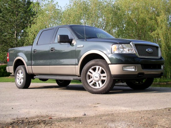 automotive trends 2004 ford f 150 lariat. Black Bedroom Furniture Sets. Home Design Ideas